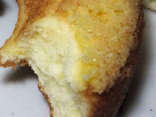 コンビニパンだ_クッキー焼きドーナツ(チーズ)_中身05