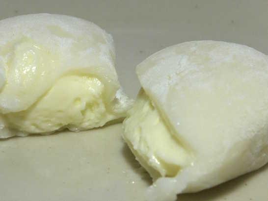 コンビニパンだ_北海道産チーズを使ったレアチーズ大福【セブンイレブン】_中身06