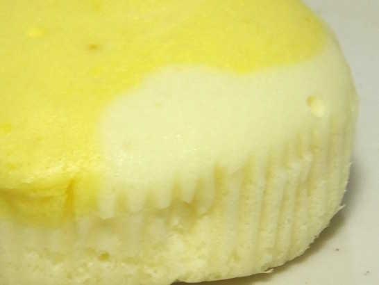 コンビニパンだ_塩とレモンの蒸しケーキ【ローソン】_中身05
