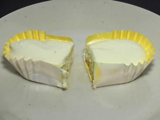コンビニスイーツだ_チーズ極まるレアチーズ【ファミリーマート】_中身02