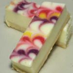 白いチーズケーキ 彩り3種のソース【サークルKサンクス】