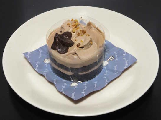 コンビニスイーツだ_チョコレートケーキ(ベルギー産チョコレート使用)【ファミリーマート】_中身00