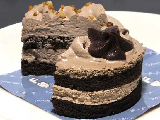 コンビニスイーツだ_チョコレートケーキ(ベルギー産チョコレート使用)【ファミリーマート】_中身04