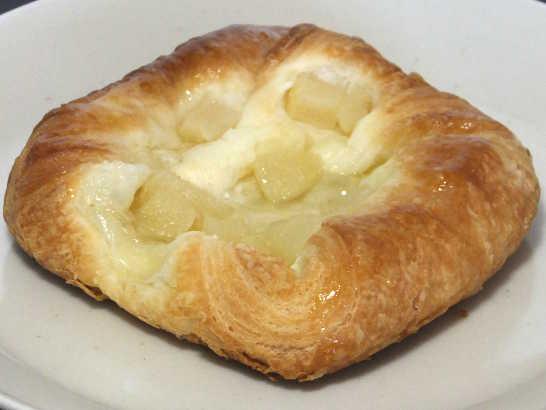 コンビニパンだ_洋なしとチーズクリームのデニッシュ【ファミリーマート】_中身01