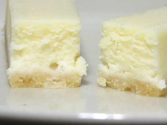 コンビニスイーツだ_ホワイトチョコのチーズケーキ【サークルKサンクス】_中身03