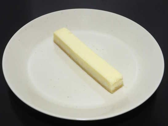コンビニスイーツだ_ホワイトチョコのチーズケーキ【サークルKサンクス】_中身00