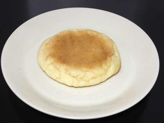 コンビニパンだ_ブランの平焼きメロンパン【ローソン】_中身00