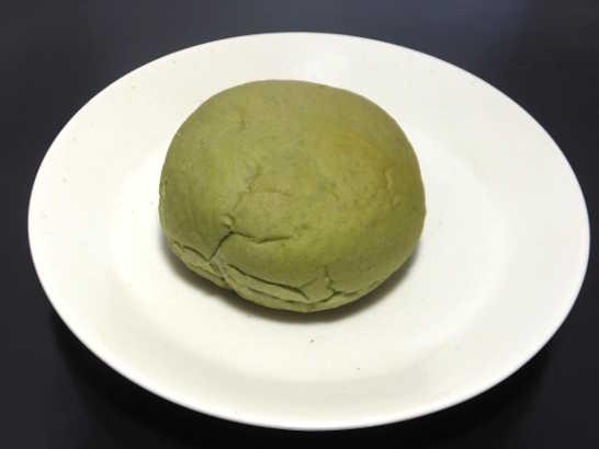 コンビニパンだ_おもちみたいな宇治抹茶ホイップクリームパン【サークルKサンクス】_中身00