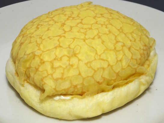 コンビニパンだ_ふんわりメープルのパン【セブンイレブン】_中身01