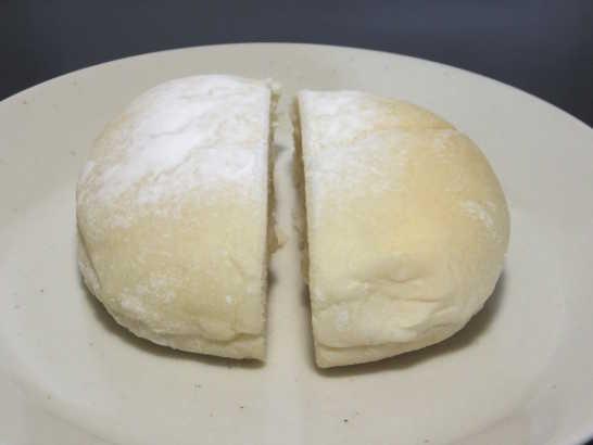 コンビニパンだ_おもちみたいな塩バニラクリームぱん【サークルKサンクス】_中身02
