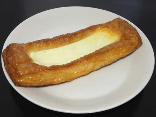 コンビニパンだ_クリームチーズのデニッシュ【ファミリーマート】_中身00