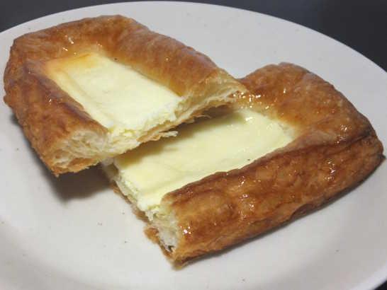 コンビニパンだ_クリームチーズのデニッシュ【ファミリーマート】_中身04