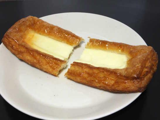 コンビニパンだ_クリームチーズのデニッシュ【ファミリーマート】_中身02