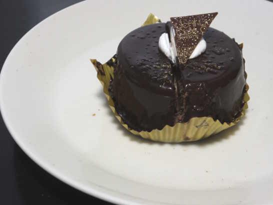 コンビニスイーツだ_カカオ香るチョコレートケーキ【ローソン】中身02