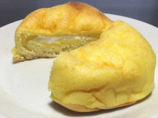 コンビニパンだ_シュークリームみたいなパン【ファミリーマート】中身04