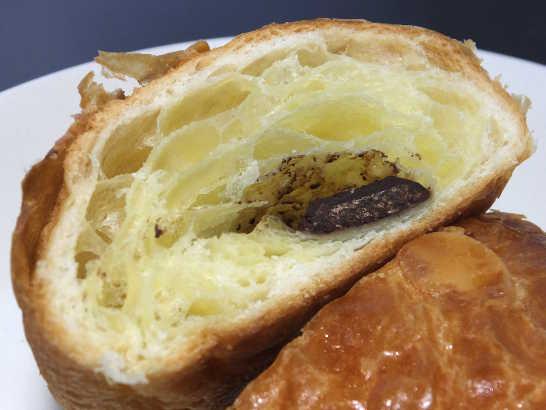 コンビニパンだ_ベルギーチョコレートのパン・オ・ショコラ【ローソン】中身03