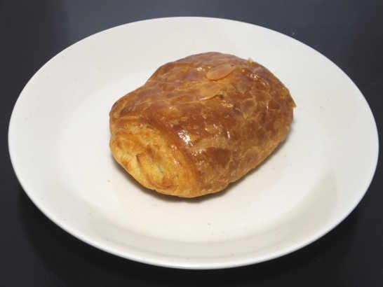 コンビニパンだ_ベルギーチョコレートのパン・オ・ショコラ【ローソン】中身00