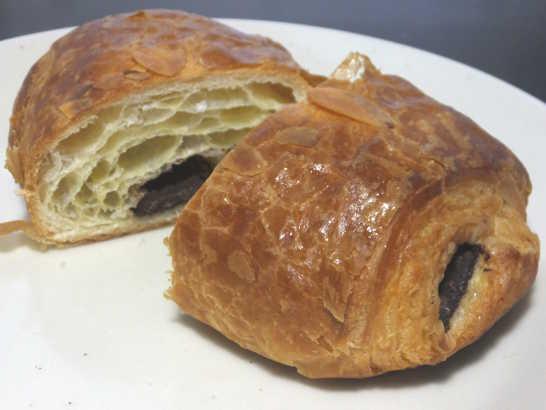 コンビニパンだ_ベルギーチョコレートのパン・オ・ショコラ【ローソン】中身04
