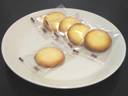 コンビニスイーツだ_バターが上品に香る 優しい食感のバタークッキー【セブンイレブン】中身01