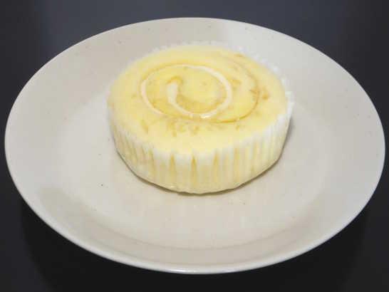 コンビニスイーツだ_ホワイトケーキ【ファミリーマート】中身00