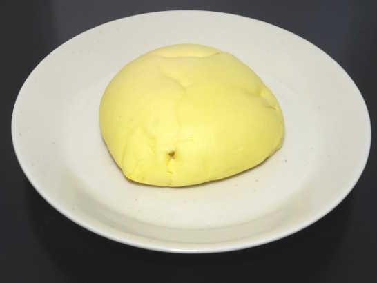 コンビニパンだ_しっとりメロンパン 瀬戸内レモン【ローソン】中身00