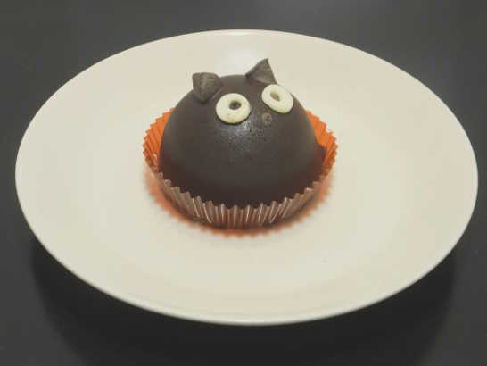 コンビニスイーツだ_ハロウィン 黒猫チョコケーキ【セブンイレブン】中身00