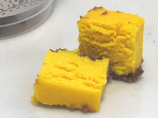 コンビニスイーツだ_ひとくちパンプキンチーズケーキ【セブンイレブン】中身03