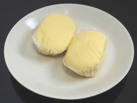 コンビニパンだ_ブランのチーズ蒸しケーキ 北海道産クリームチーズ【ローソン】中身00