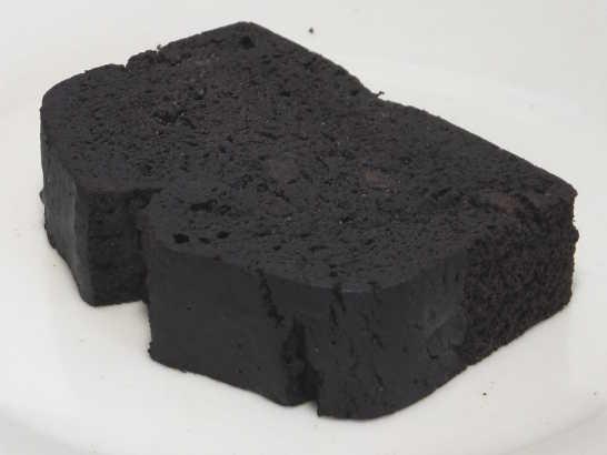 コンビニスイーツだ_RIZAPふんわり食感チョコチップケーキ【ファミリーマート】中身01