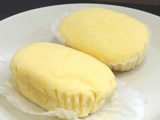 コンビニパンだ_ブランのチーズ蒸しケーキ 北海道産クリームチーズ【ローソン】中身01