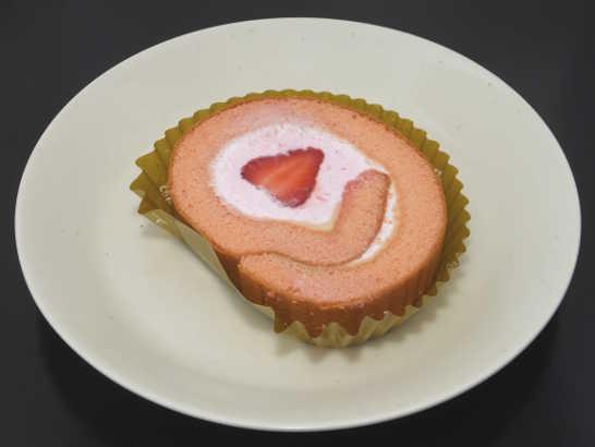 コンビニパンだ_苺のロールケーキ【セブンイレブン】中身00