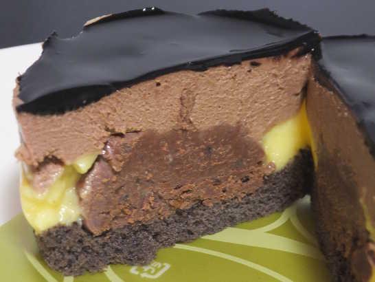 コンビニパンだ_ベルガモット香るチョコレートケーキ【ローソン】中身03