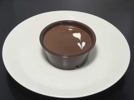コンビニスイーツだ_ラム香るチョコケーキ【ファミリーマート】中身00