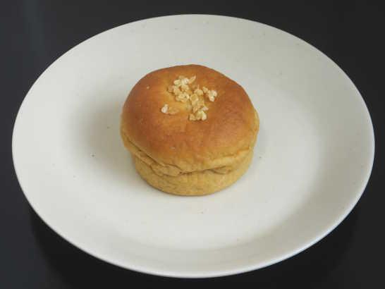 コンビニパンだ_ブランのバナナクリーム&ホイップパン【ローソン】中身00