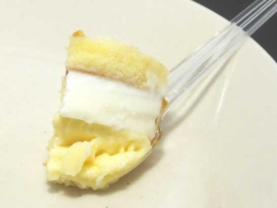 コンビニスイーツだ_北海道産チーズのブリュレチーズケーキ【ファミリーマート】中身02