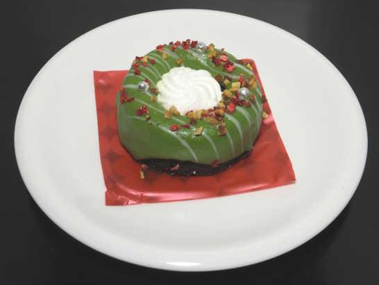 コンビニスイーツだ_緑のクリスマスリースのケーキ【ローソン】中身00