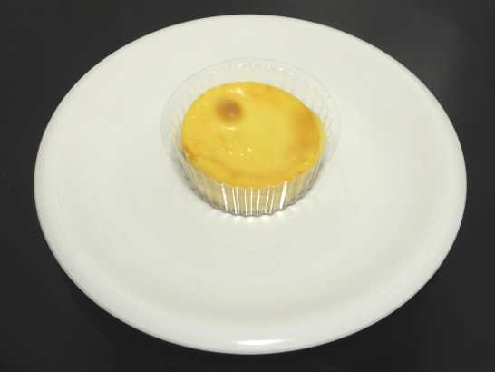 コンビニスイーツだ_濃厚なめらかベイクドチーズケーキ【ローソン】中身00