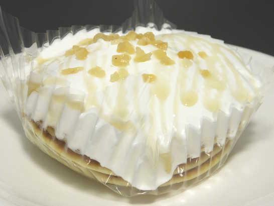コンビニスイーツだ_ココナッツミルククリームのパンケーキ【ローソン】中身01