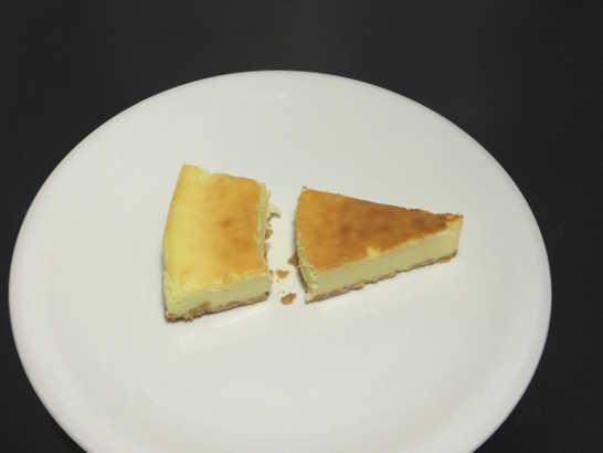 コンビニスイーツだ_ベイクドチーズケーキ【セブンイレブン】中身02